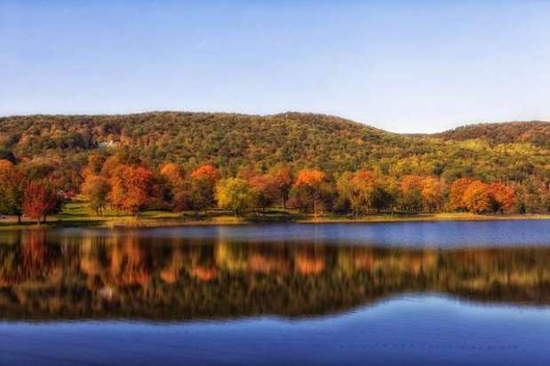 Best Fall Leave Tours in Canada and New England